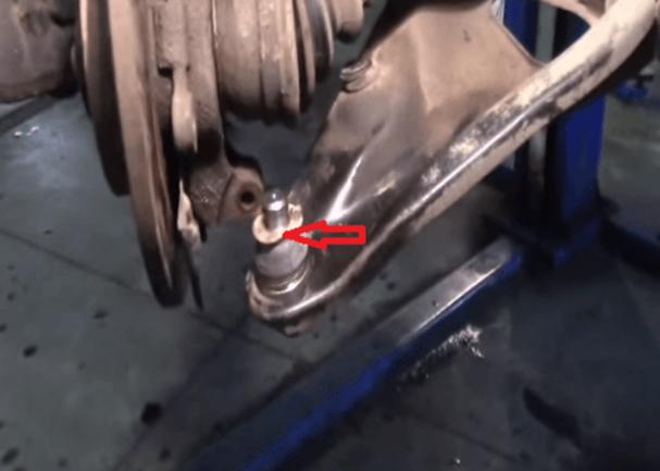 Как поменять шаровую на рено сандеро