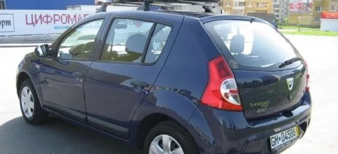 Рено Сандеро объем и размер багажника в литрах
