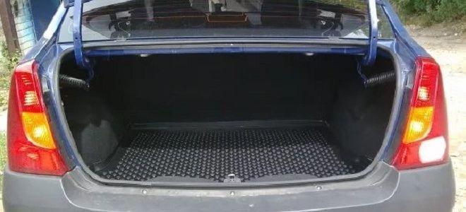Какой объем багажника у Рено Логан в литрах