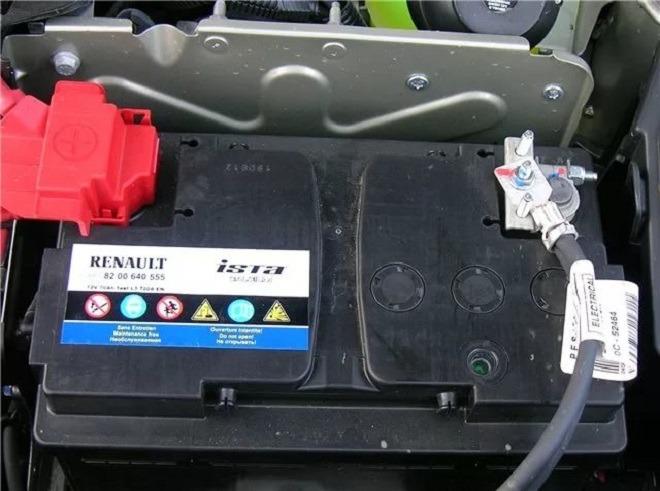 оригинальный аккумулятор на логан